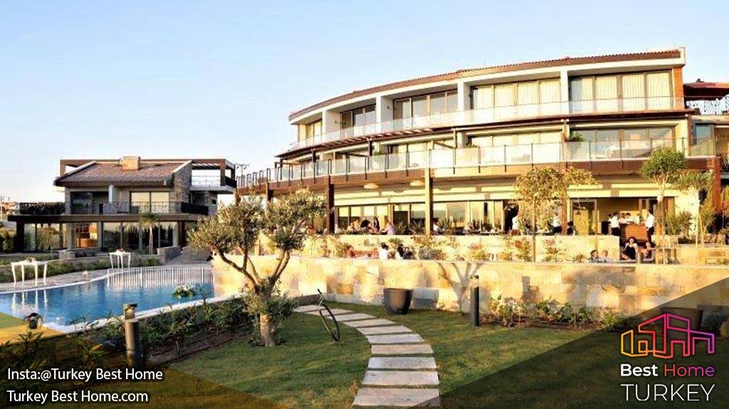 فروش هتل لوکس در ازمیر با فاصله ی 250 متر از دریا در اقامتگاه چشمه Cesmev