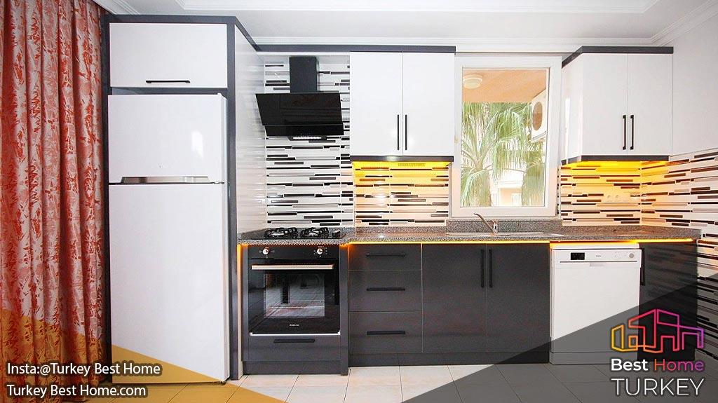 خرید آپارتمان دو خوابه در آلانیا محله توسمور Tosmur 400 متری دریا - قدیمی ساز